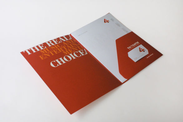 Custom Pocket Folder Printing - 4M Media