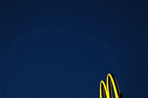 mcdonalds-sign-night