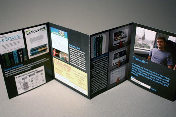 Brochure Resume 2